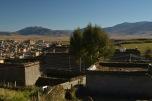 Les toites des maisons tibétaines sont en terrasse